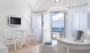 Меден месец в хотел Katikies, Санторини